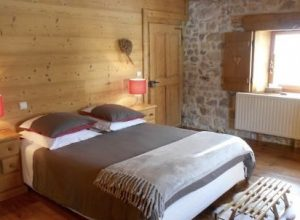yoga retreat europe, bedroom, yoga venue, huzur vadisi